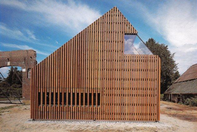Algunas fachadas de edificios realizadas con revestimientos de madera
