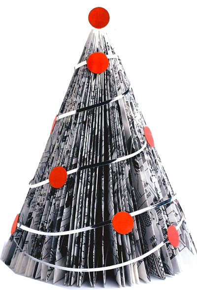 Decorar Arbol Navidad En Papel.Un Arbol De Navidad Hecho Con Revistas