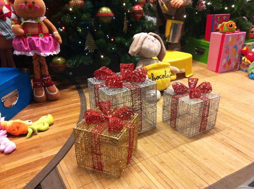 un envoltorio en forma de caja metlica muy original para nuestros regalos de navidad