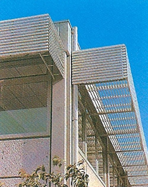 Celos as de aluminio para fachadas for Celosias de aluminio para jardin