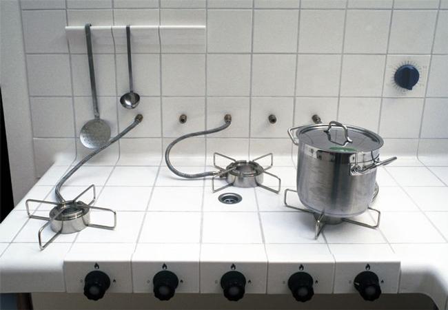 Muebles de cocina hechos sólo con azulejos