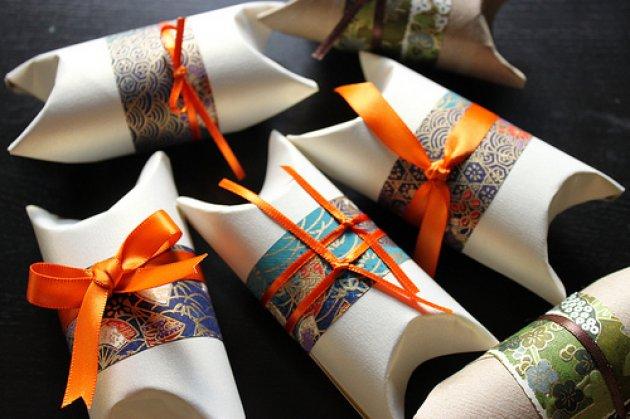 Aprovechar los rollos de papel higi nico for Como decorar un rollo de papel higienico