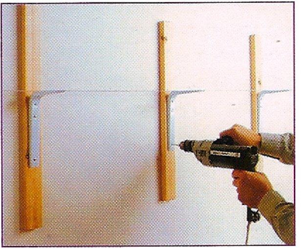Como sujetar una balda a la pared