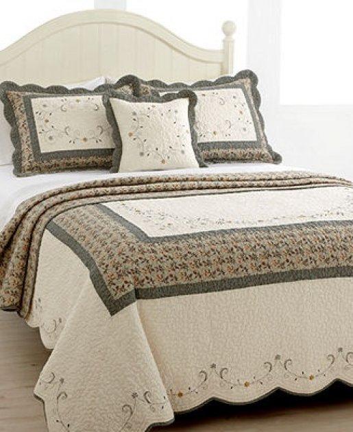 Ropa de cama los cubre camas y los doseles for Cubrepies de cama