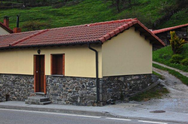 Los z calos en los edificios y fachadas for Zocalo fachada exterior