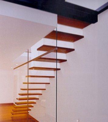 Escaleras con pelda os de madera - Peldanos escalera madera ...
