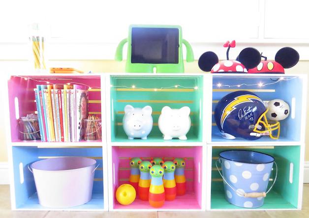 C mo hacer una estanter a para juguetes con cajas de madera - Estanterias guardar juguetes ...