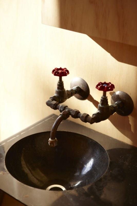 Originales instalaciones de fontanera para nuestros baos for Lavabo industrial