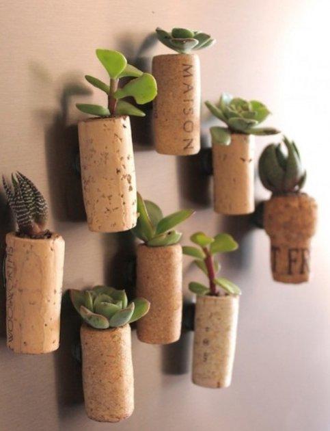 Mini macetas hechas con corchos for Decoracion con corchos