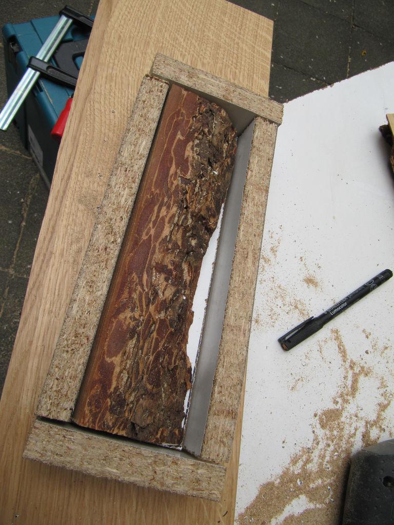 Cmo hacer una lmpara con madera y resina for Arcones de resina para exterior