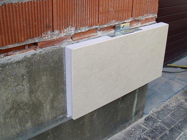 Panel aislante con revestimiento de piedra for Panel aislante termico