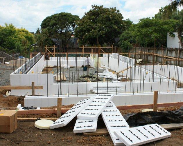 Paneles semi prefabricados de hormig n eco block - Casas de hormigon prefabricado precios ...