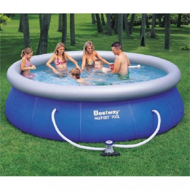 Las piscinas desmontables for Piscina hinchable jardin