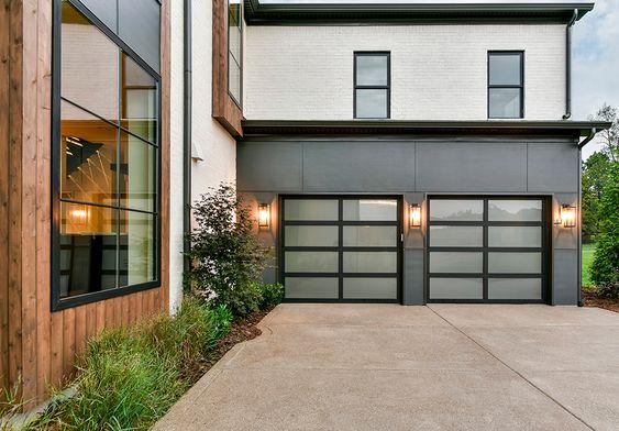 Puertas de garaje Ditec sostenibles y eficientes energéticamente.