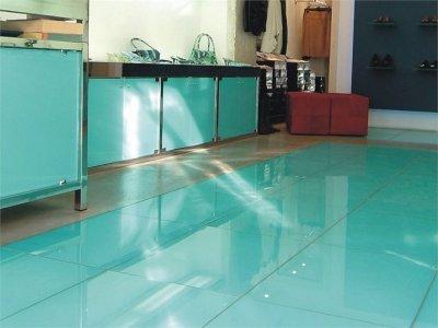 Baldosas de vidrio para pavimentos y suelos for Pintar baldosas suelo