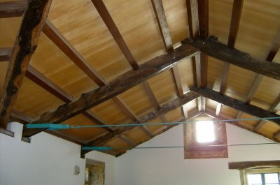 Cubriciones de madera cubiertas de madera for Como hacer un techo a cuatro aguas