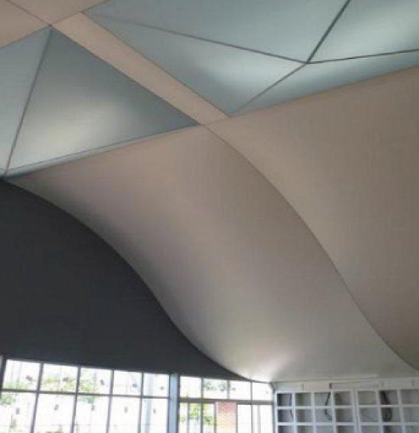 Ventajas y desventajas de los techos tensados qu son los for Techos con formas